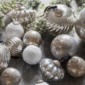 Judas 65mm Ant Silver Fluted Baubles Trees Decoration
