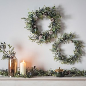 Crescens Large Artificial Sloe Berry & Pine Wreath Outdoor Decoration