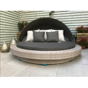 Signature Weave Garden Furniture Madison Extra Large Daybed - PRE ORDER