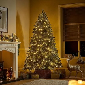 6.5ft Pre-Lit Richmond Fir Artificial Christmas Tree