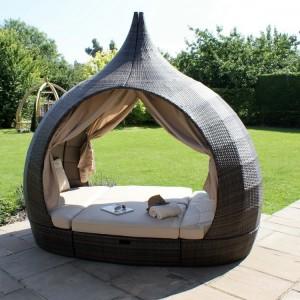 Maze Rattan Garden Furniture Weatherproof PU Rattan Brown Peach Daybed - PRE ORDER