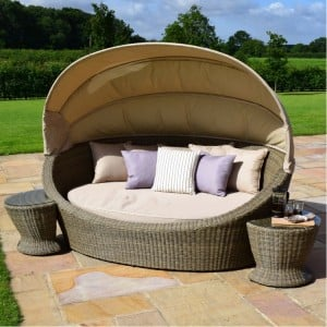 Maze Rattan Garden Furniture Winchester Daybed With Side Tables