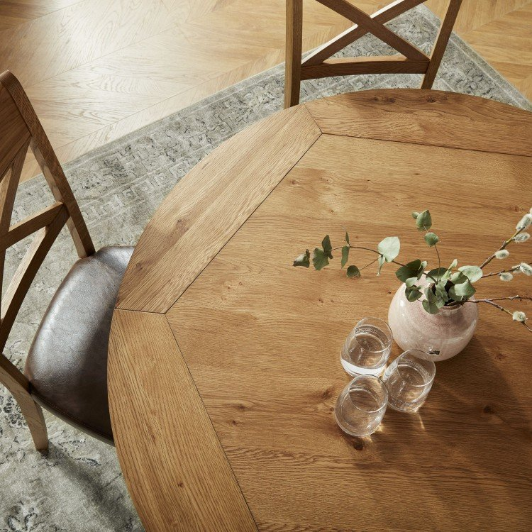 Oval & Round Oak Dining Tables