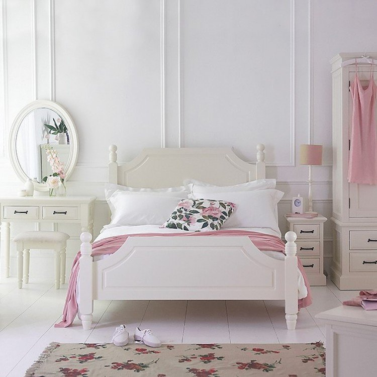 Cream & Ivory Painted Furniture