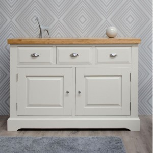 Homestyle Deluxe Painted Furniture Medium Sideboard