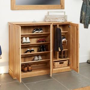 Mobel Oak Furniture Extra Large Shoe Cupboard